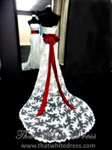 silver-1212w10-red-bow.1